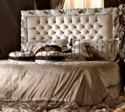 Кровать (190*200), изголовье лакированная отделка с эффектом состаривания, панель и периметр из кожи Florida col.2024 (Art. 1251/C-King) - Living